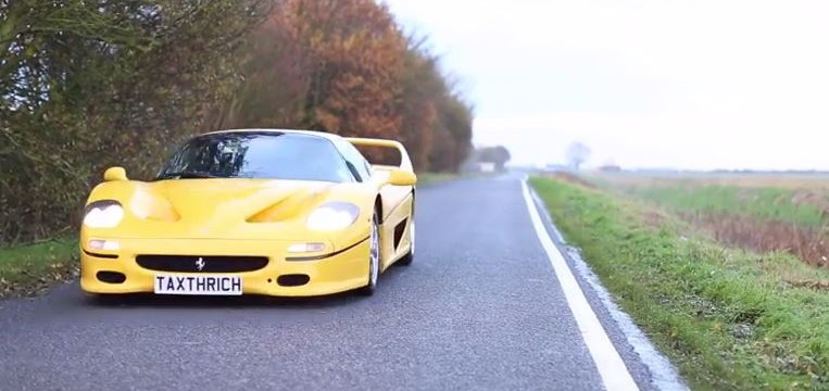 Glisser derrière une Ferrari F50 !